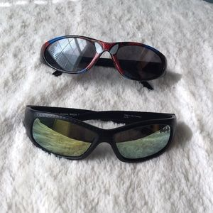 Lot of 2 superhero sunglasses: Batman, Spider-Man